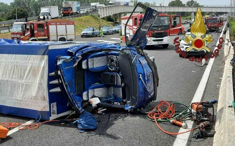 Incidente sul Raccordo Anulare: scontro fra due auto ed un camion, cinque feriti