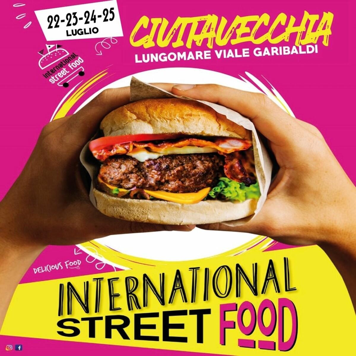 International street food al lungomare di Civitavecchia