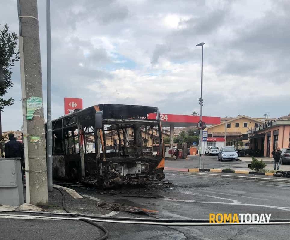 Incendio bus Setteville Nord 1-2