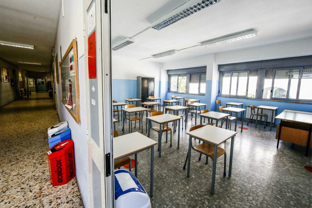 Coronavirus Roma, arriva la variante brasiliana: la Asl chiude un'altra scuola