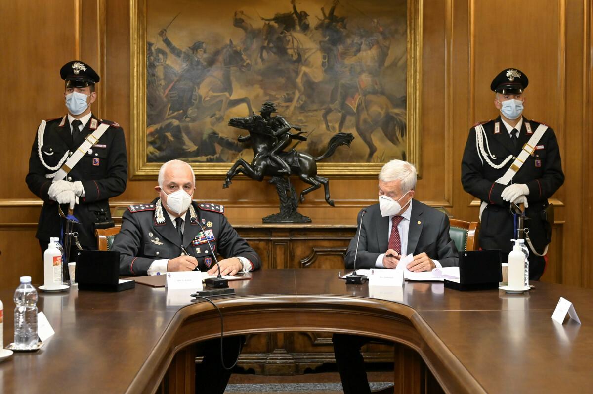 Prevenzione e contrasto dell'illegalità: carabinieri e Confcommercio siglano protocollo d'intesa