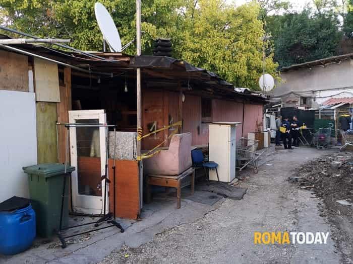Insediamento abusivo via Castelnuovo di Porto 1